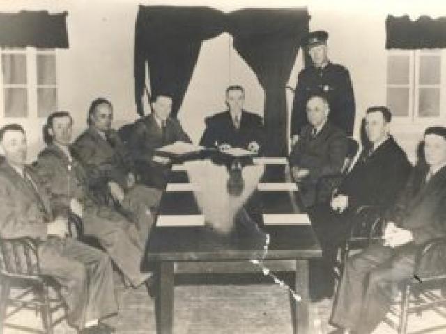 Conseil de ville vers 1945 - Ville de Saint-Tite